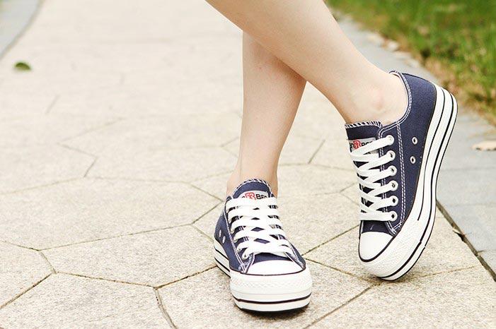 人本厚底鞋松糕跟系带鞋