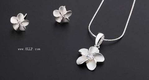 纯银喷砂花朵吊坠