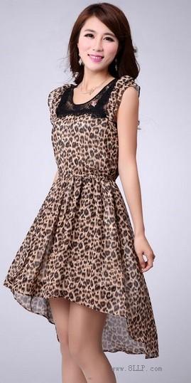 豹纹荷叶袖雪纺连衣裙