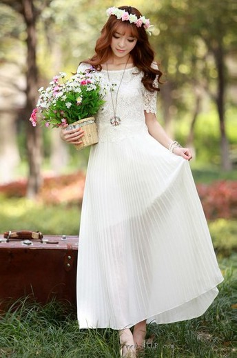 雪纺蕾丝百褶连衣裙