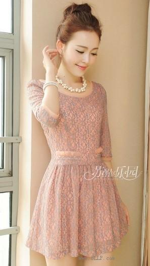 韩版七分袖蕾丝连衣裙
