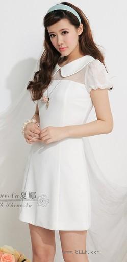 泡泡袖修身连衣裙