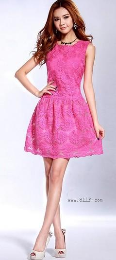 无袖蕾丝连衣裙