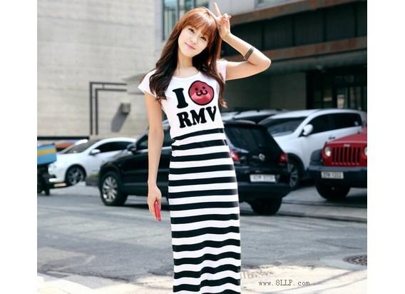 条纹图案短袖连衣裙