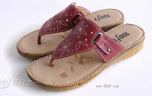 拖鞋让脚趾头充分氧气