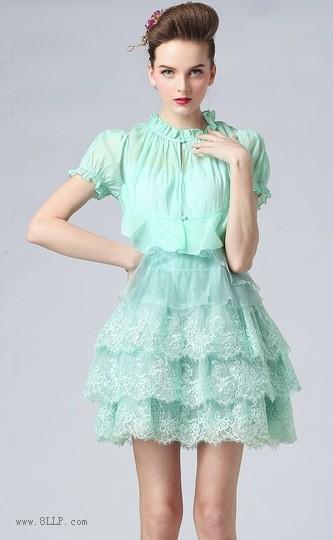 欧根纱蕾丝连衣裙