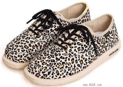 动物纹系带帆布鞋
