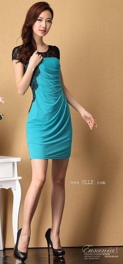 蕾丝拼接修身连衣裙