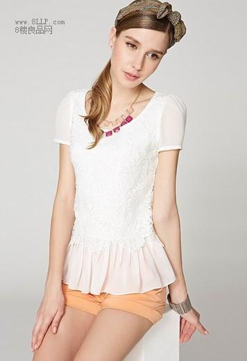 牛奶丝绣花蕾丝衫