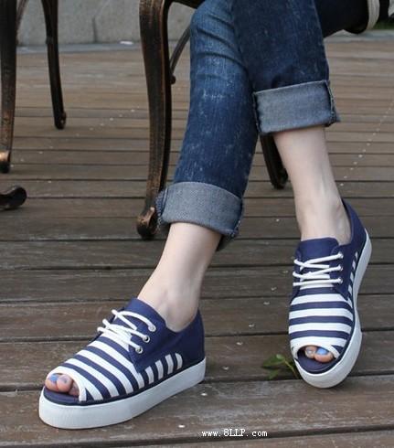 条纹鱼嘴帆布鞋