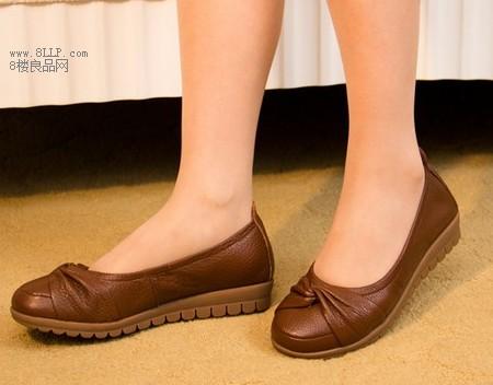 真皮平底中老年女鞋
