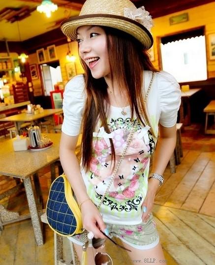 印花泡泡袖T恤