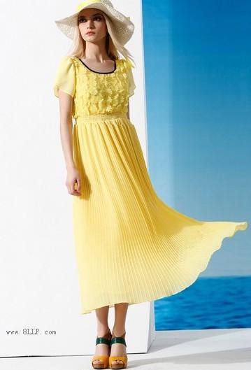 雪纺短袖连衣裙