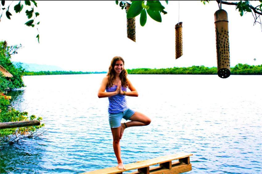 启程:横穿亚洲的瑜伽之旅