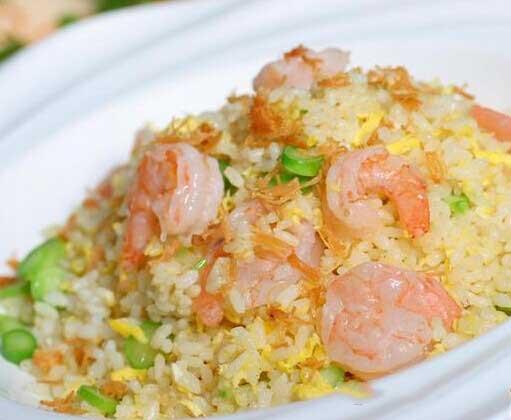 炒米饭最好吃的做法!好吃不胖~!!