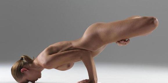 一组令整个世界震惊瑜伽照片!(未成年勿入!)