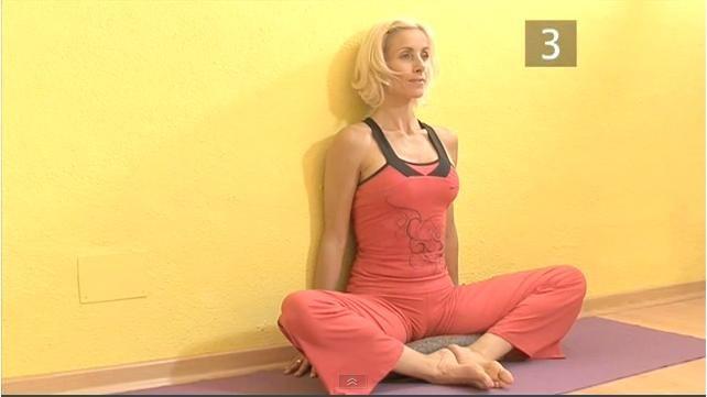 如何用瑜伽体式缓解痛经?