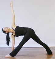 流瑜伽的第二部分:站立体位练习