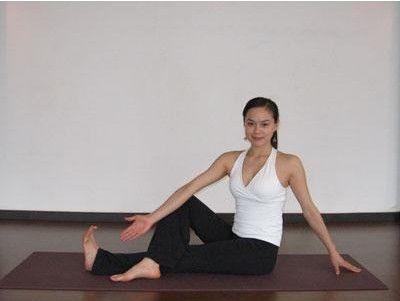 保养脊椎瑜伽八式
