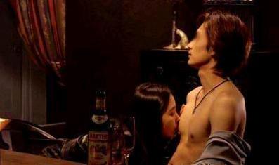男公关自述:我在夜店伺候富婆的那些荒唐日子