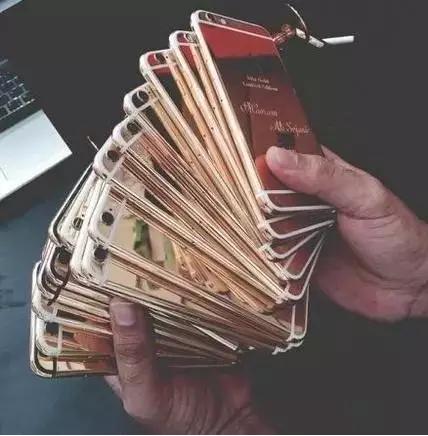 别说你见过土豪、这才叫有钱